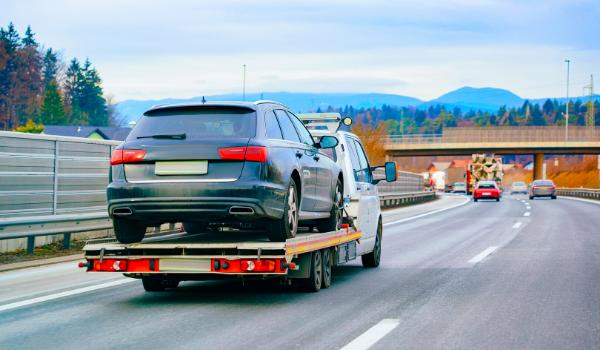 auto-accident-car-needs-towed